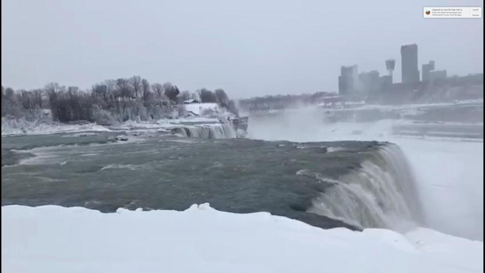 <p>Water flows over the Niagara Falls, New York, U.S., in this still image taken from January 3, 2018. Nisat Shima/REUTERS </p>