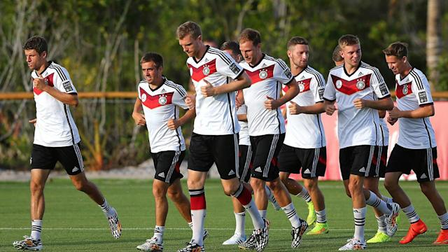 Nazi sympathizer invades pitch during Ghana-Germany game