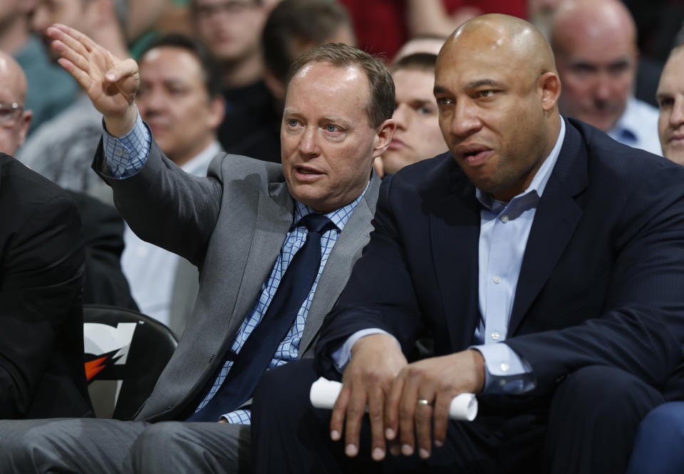 Milwaukee Bucks assistant coach Darvin Ham, right, with Mike Budenholzer when they were with the Hawks in 2015. (AP Photo/David Zalubowski)