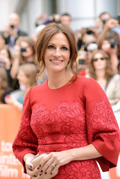 "Julia Roberts arrives at the premiere of ""August: Osage County"" on day 5 of the Toronto International Film Festival at the Roy Thomson Hall on Monday, Sept. 9, 2013, in Toronto. (Photo by Evan Agostini/Invision/AP)"