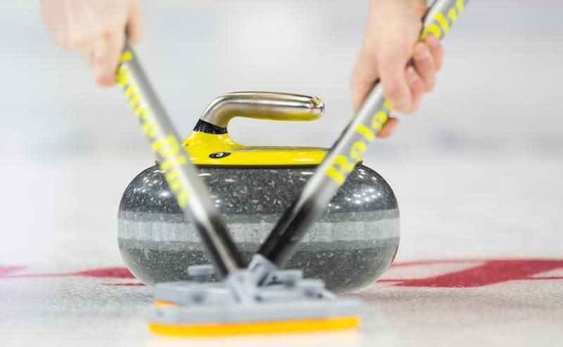 Burgess aiming for record third national junior women's curling title