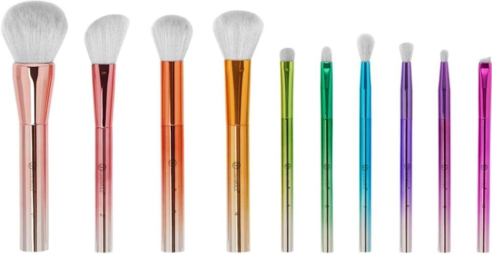 <p>The <span>BH Cosmetics Take Me Back to Brazil - 10 Piece Brush Set</span> ($26) is the gift that keeps on giving.</p>