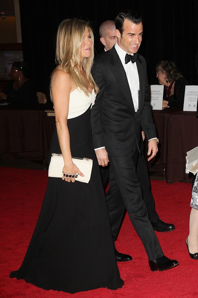 BEVERLY HILLS, CA - NOVEMBER 15:  Actor Justin Theroux (L) and actress Jennifer Aniston attend the 26th American Cinematheque Award Gala honoring Ben Stiller at The Beverly Hilton Hotel on November 15, 2012 in Beverly Hills, California.  (Photo by David Livingston/Getty Images)