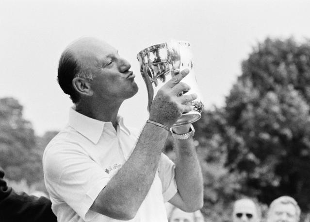 <p>Robert De Vincenzo (1923-2017): Hall of Fame golfer who won the 1967 British Open. </p>