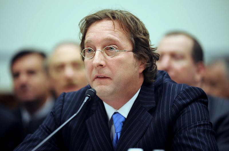 Hedge fund manager Falcone to settle fraud case