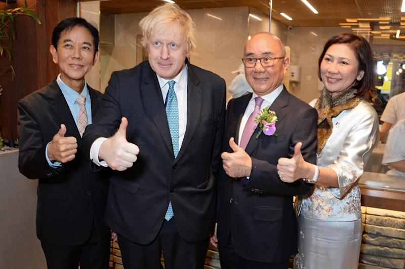 George Quek, Boris Johnson, Mr Yang Chi Hua and Ms Katherine Lee attend the UK launch of Din Tai Fung (Dave Benett)