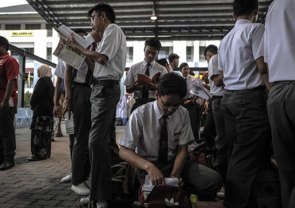 Chong said schools are supposed to be a place to build mutual understanding about multiculturalism. — File picture by Shafwan Zaidon