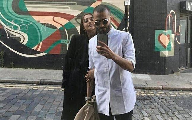 SEE PIC: Sonam Kapoor hand-in-hand with rumoured boyfriend Anand Ahuja