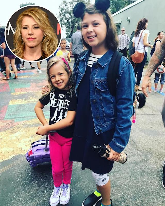 "<p>These gals belong to <em>Fuller House</em> actress Jodie Sweetin (if you couldn't tell by their smiles). Mama described them as ""awesome little ladies,"" though she noted she couldn't believe that ""they're in 4th and 2nd grade!! How did that happen?!"" (Photos: <a href=""https://www.instagram.com/p/BX0rC5_lXpq/?taken-by=jodiesweetin"" rel=""nofollow noopener"" target=""_blank"" data-ylk=""slk:Jodie Sweetin via Instagram"" class=""link rapid-noclick-resp"">Jodie Sweetin via Instagram</a>/AP Images) </p>"