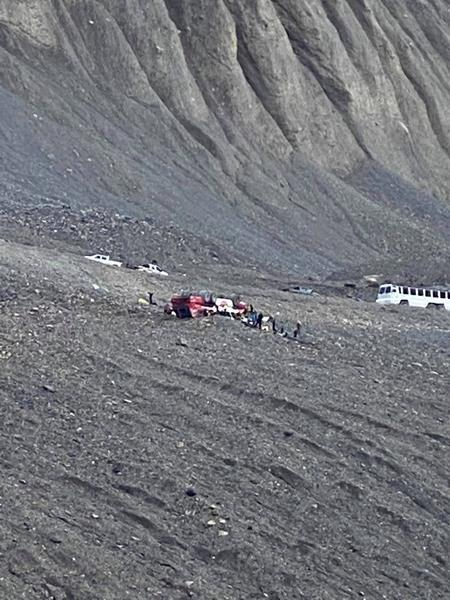 Glacier sightseeing bus rolls in the Alberta Rockies killing 3 and injuring others