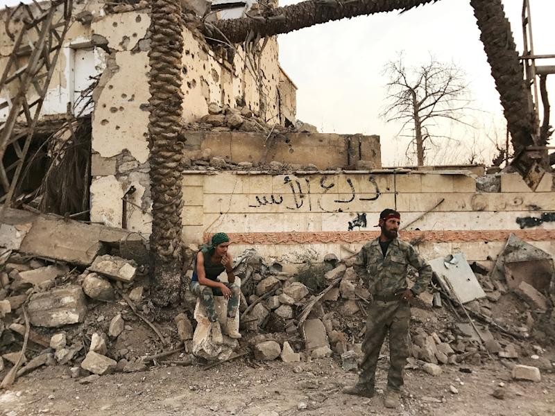 Both US-backed Kurdish-led fighters and Russia-supported regime forces are separately fighting the Islamic State jihadist group in Syria's eastern province of Deir Ezzor