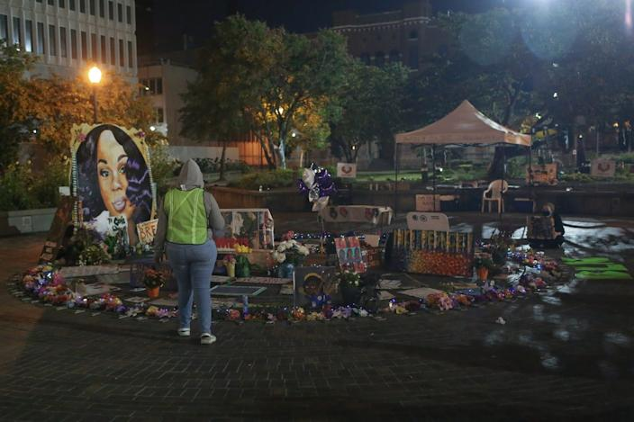 """A Breonna Taylor memorial in Louisville on Wednesday. <p class=""""copyright"""">Daniel Shular</p>"""