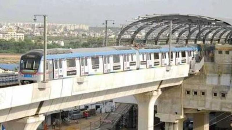 Hyderabad: Man jumps from metro station, commits suicide