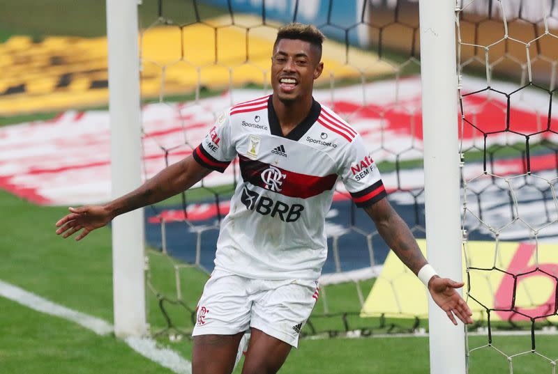 Flamengo crush Corinthians 5-1 to go top of Serie A table