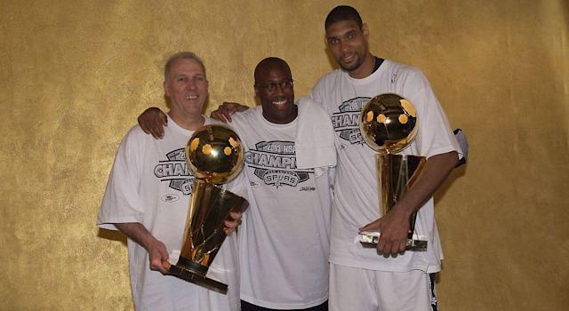 Mike Brown has worked alongside some of the NBA's all-time greats, including Spurs legends Gregg Popovich and Tim Duncan. (Photo by Bill Baptist/NBAE via Getty Images)