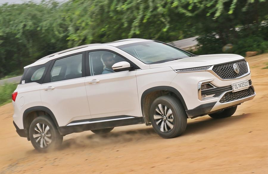 <strong>MG Motors-</strong> MG started off strongly and has maintained its position with sales at 3k units+ a month. From October to November, demand for the Hector has been steady and it is still the best selling SUV amongst its direct rivals.
