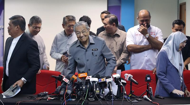 Prime Minister Tun Dr Mahathir Mohamad at a press conference after a Pakatan Harapan meeting in Petaling Jaya September 7, 2018. ― Picture by Razak Ghazali