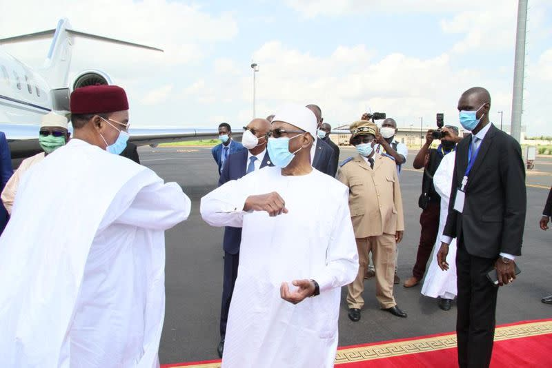 West African leaders to hold extraordinary summit on Mali crisis
