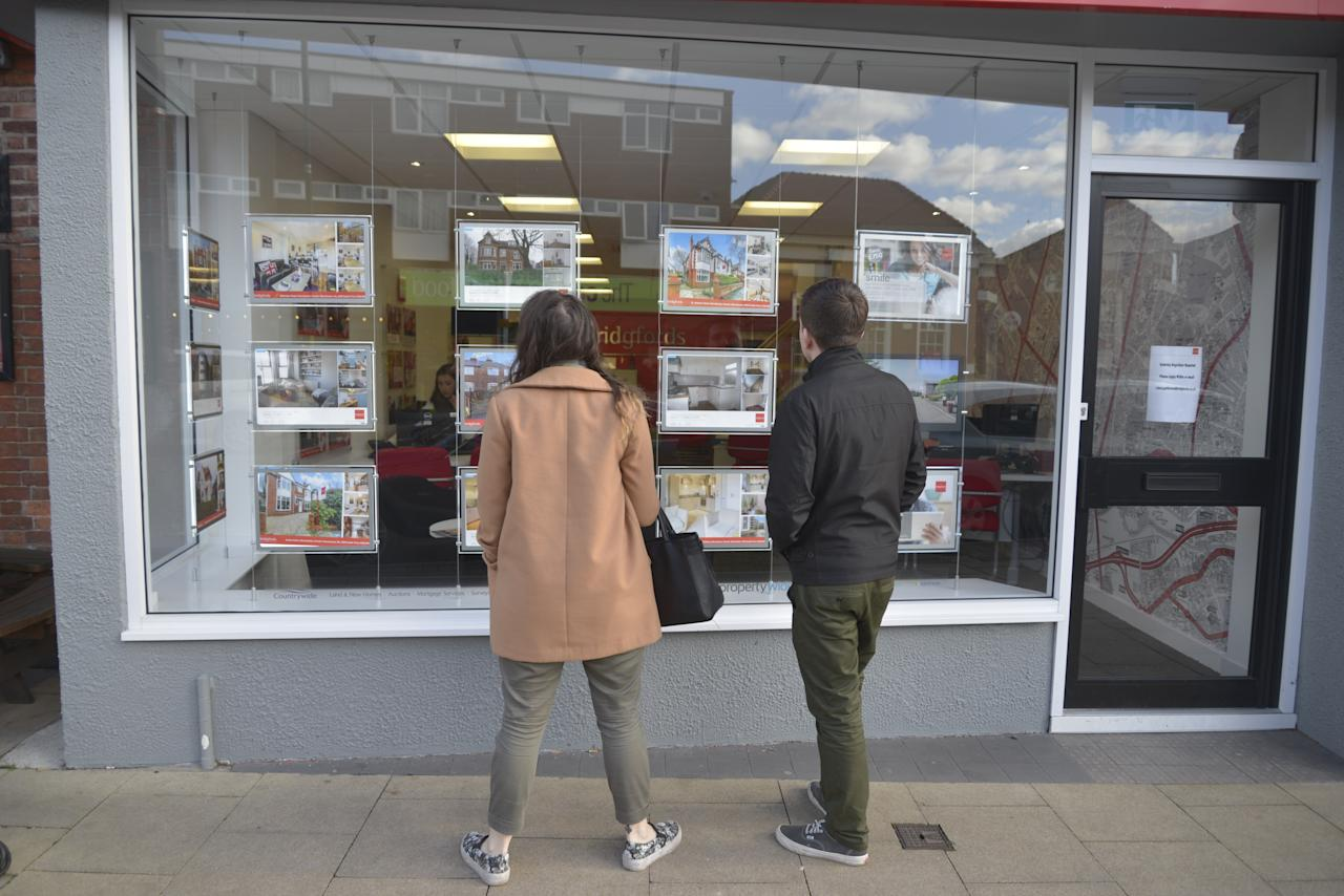 <p>The housing market might be in the doldrums at the moment, but estate agents can make a very good living with a basic salary plus commission. (Jonathan Nicholson/NurPhoto via Getty Images) </p>
