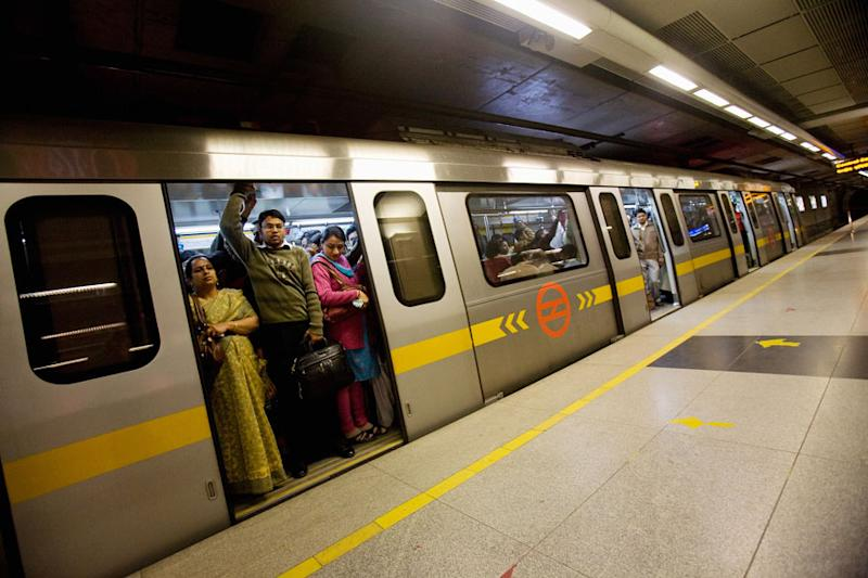 UP Man Crushed to Death by Metro Train in Gurugram While Trying to Jump Tracks