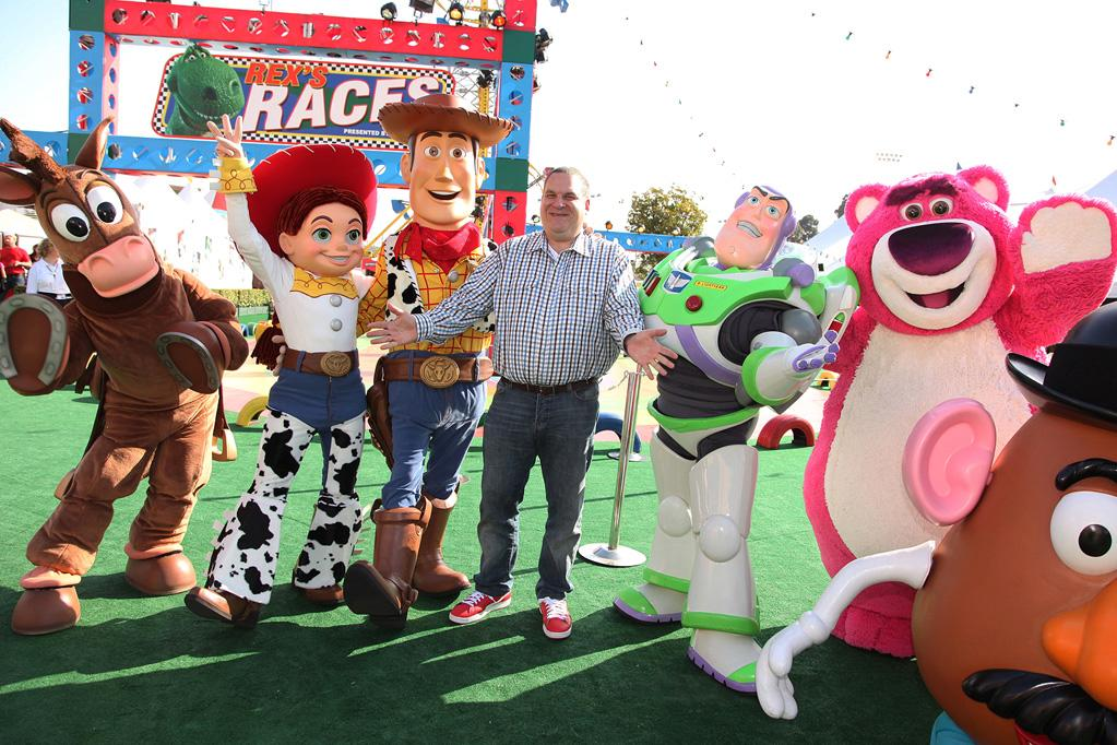 "<a href=""http://movies.yahoo.com/movie/contributor/1800346445"">Jeff Garlin</a> at the Los Angeles premiere of <a href=""http://movies.yahoo.com/movie/1809266566/info"">Toy Story 3</a> - 06/13/2010"
