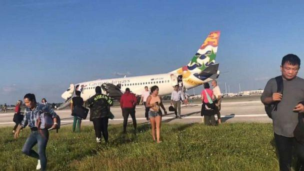 PHOTO: Cayman Airways flight KX792 made an emergency landing in Orlando, Fla., on Sunday, Sept. 8, 2019. (Jennifer Chirico Photography by Jennifer Lynn)