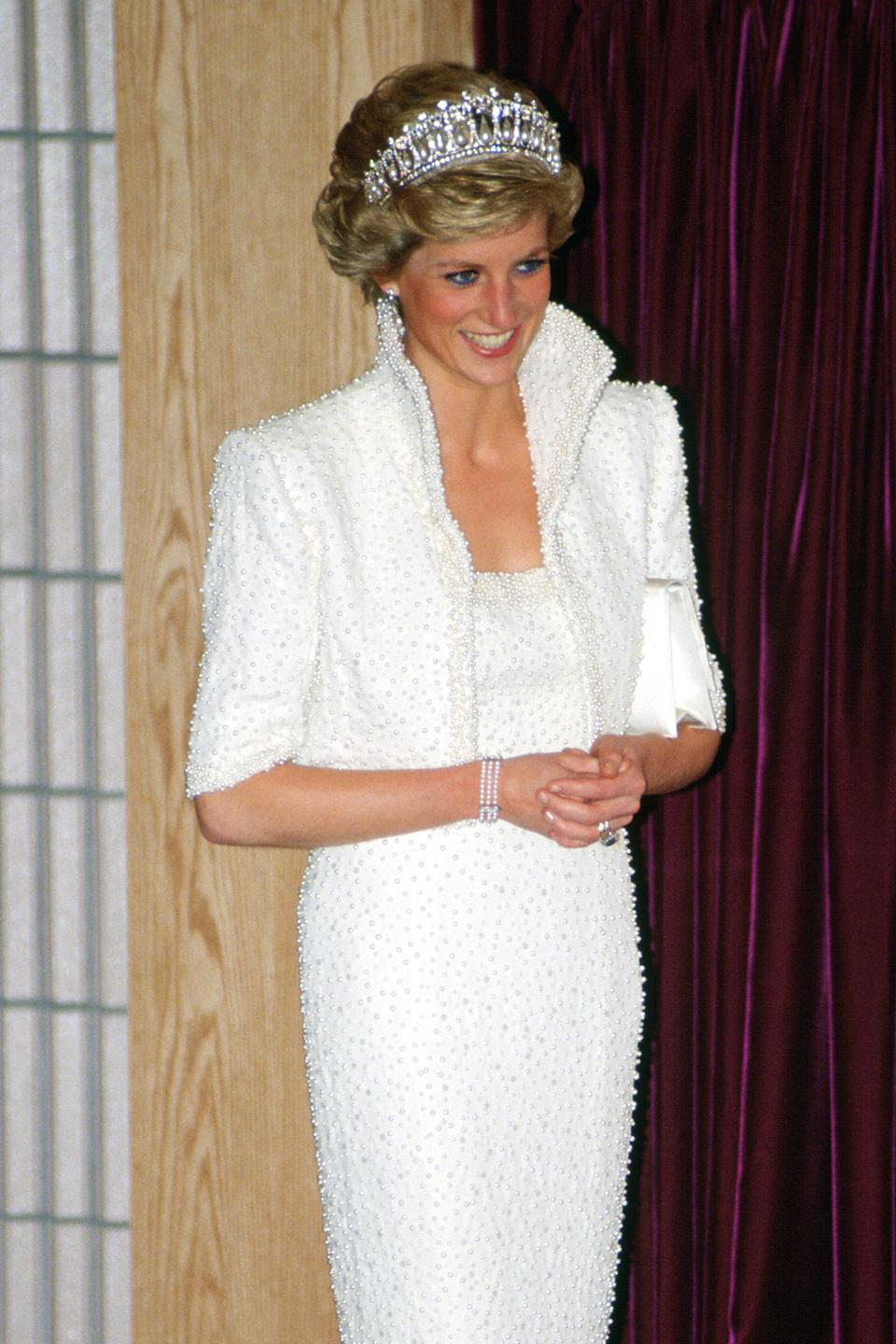 Princess Diana wore the jewellery on a trip to Hong Kong in 1989. (Getty Images)