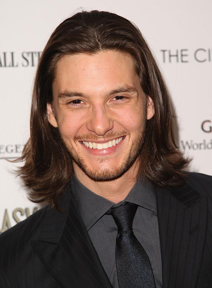 "<a href=""http://movies.yahoo.com/movie/contributor/1809962088"">Ben Barnes</a> at the New York Cinema Society screening of <a href=""http://movies.yahoo.com/movie/1809765397/info"">Easy Virtue</a> - 05/11/2009"