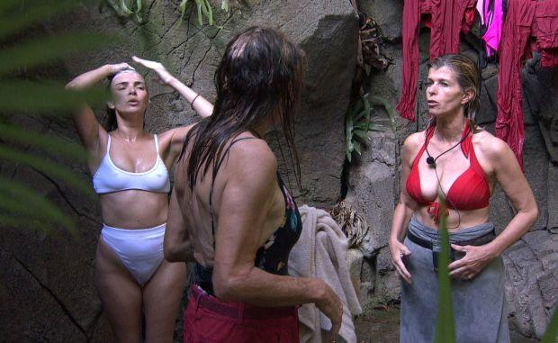 Nadine Coyle, Caitlyn Jenner and Kate Garraway shower in I'm A Celeb. (ITV)