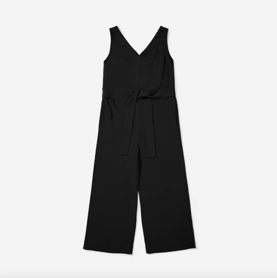 You can now score Meghan's go-to Japanese GoWeave Essential Jumpsuit at 30% off for Black Friday. Image via Everlane.