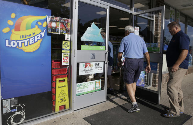 <p>Customers walk into a convenience store to buy Powerball lottery tickets in Northbrook, Ill., Aug. 23, 2017. Lottery officials said the grand prize for Wednesday night's drawing has reached $700 million, he second -largest on record for any U.S. lottery game. (Photo: Nam Y. Huh/AP) </p>