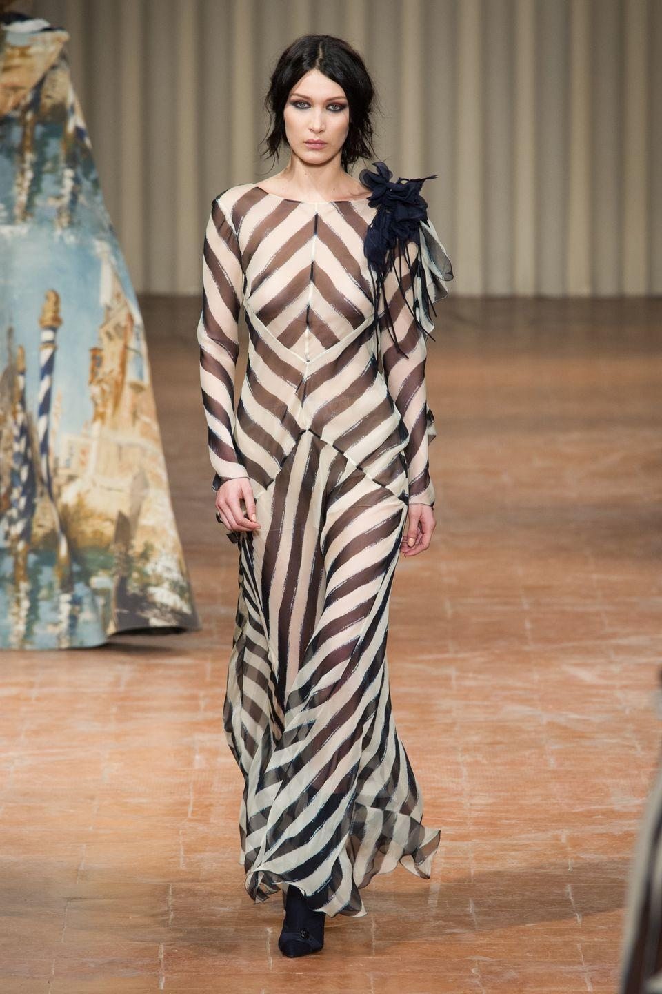 <p>Bella walking for Alberta Ferretti AW17</p>