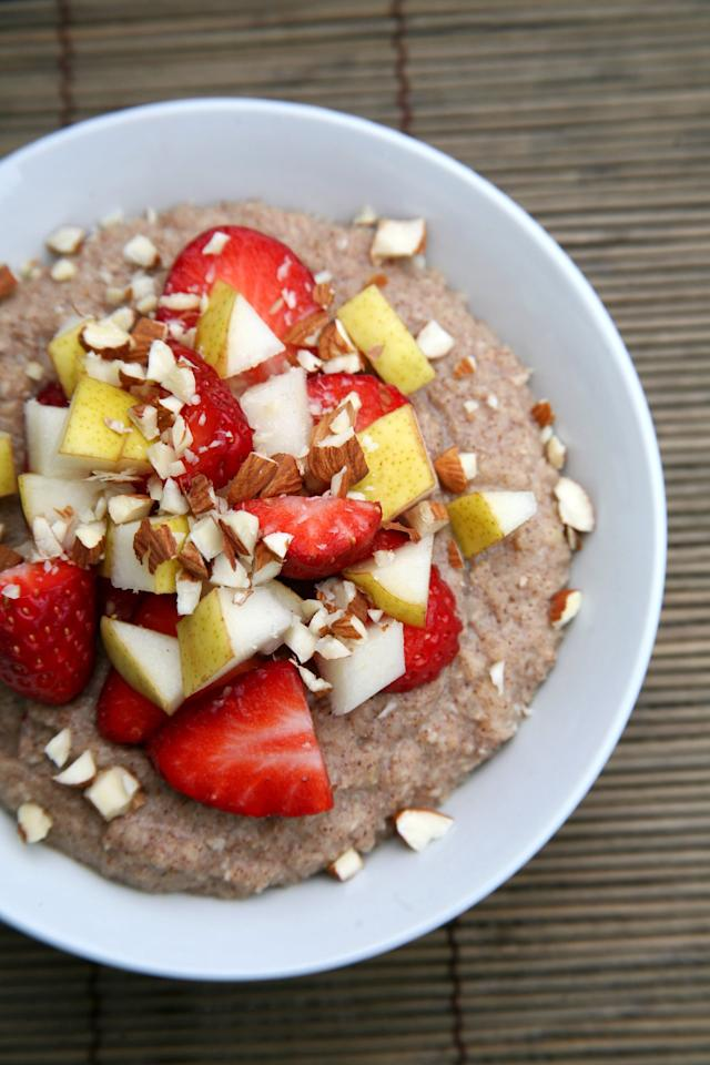 """<p>While I'm obsessed with overnight oats and steel-cut oatmeal, my belly can only handle them in small doses. So when I'm craving dipping my spoon into something warm and cinnamony, I make this using cauliflower rice instead. It has the same soft, comforting texture, but without making my belly feel like there's a rock in it.</p> <p>Get the recipe: <a href=""""https://www.popsugar.com/fitness/Cauliflower-Porridge-40585823"""" class=""""ga-track"""" data-ga-category=""""Related"""" data-ga-label=""""http://www.popsugar.com/fitness/Cauliflower-Porridge-40585823"""" data-ga-action=""""In-Line Links"""">cauliflower porridge</a></p>"""