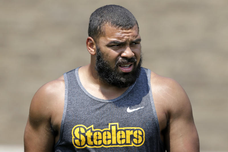 Pittsburgh Steelers defensive end Cameron Heyward (97) participates in a training session at the NFL football team's training camp in Latrobe, Pennsylvania. Suddenly, Cam Heyward is the oldest player on the Pittsburgh Steelers line of defense. In its sixth season, Heyward has become a mentor for Stephon Tuitt, Javon Hargrave and others. (AP photo / Gene J. Puskar, file)