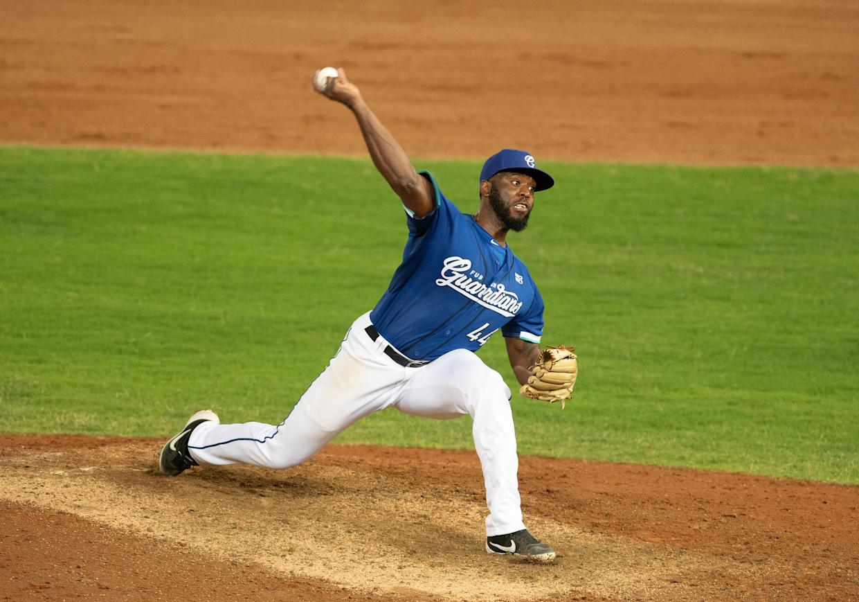 TAOYUAN, TAIWAN - JUNE 06: Pitcher Henry Sosa #44 of Fubon Guardians pitching at the bottom of the 7th inning during the CPBL game between Fubon Guardians and Rakuten Monkeys at the Taoyuan International Baseball Stadium on June 06, 2020 in Taoyuan, Taiwan.Due to only 443 confirmed cases and 7 death,A new rule by Taiwan Centers for Disease Control and CPBL will be issued tomorrow,started in 2020.6.7,there will be no limits how many fans con join the game,and there will be no mandatory for wearing facemask. (Photo by Gene Wang/Getty Images)