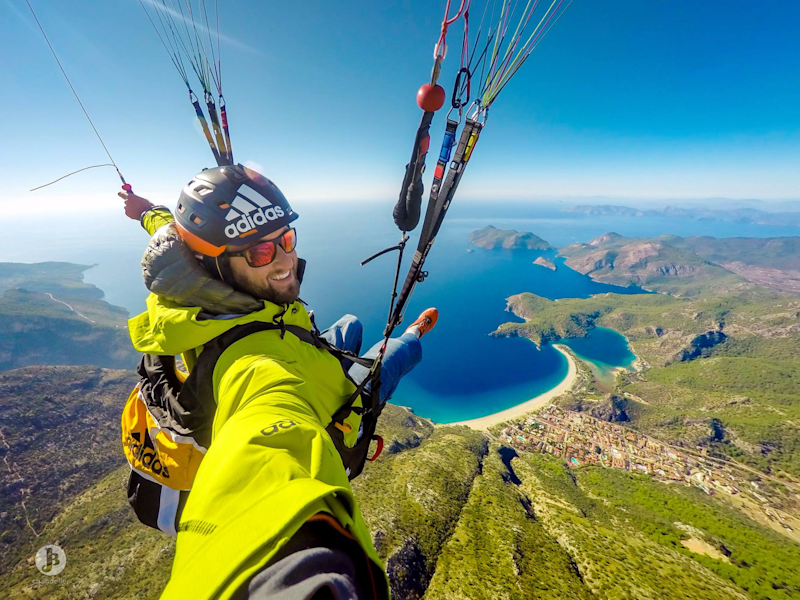 This guy started paragliding full-time after failing to become a ski instructor — now he's pioneering the sport