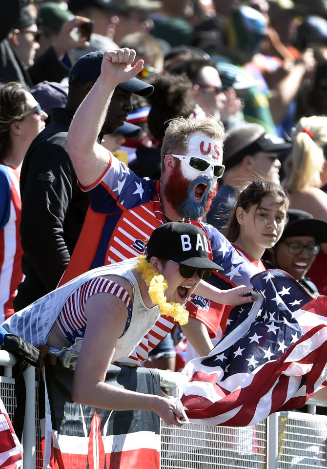 United States fans cheer during a rugby match on day three of the USA Sevens Rugby tournament, part of the World Rugby Sevens Series, March 5, 2017 in Las Vegas, Nevada. (AFP Photo/David Becker)