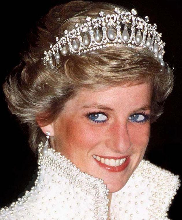 Blue eyeliner was one of Diana's favourite looks. Photo: Getty