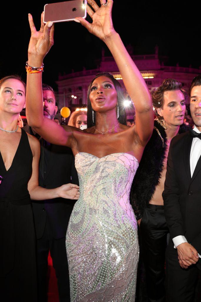 Naomi Campbell takes a selfie