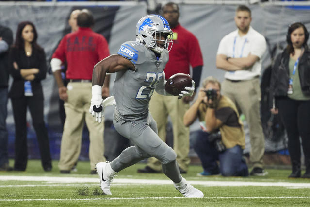 "<a class=""link rapid-noclick-resp"" href=""/nfl/players/26822/"" data-ylk=""slk:Theo Riddick"">Theo Riddick</a> is coming off a seven-catch game, which lands him on the radar for PPR managers. (AP Photo/Rick Osentoski)"