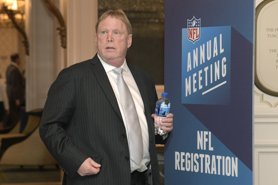 Oakland Raiders owner Mark Davis reportedly abstained from voting on the NFL's new anthem policy. (AP)