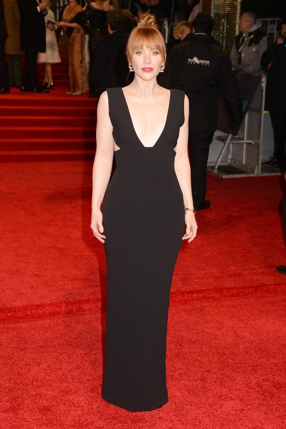 <p>Jessica looked stunning in a plunging black gown. <i>[Photo: Getty]</i> </p>