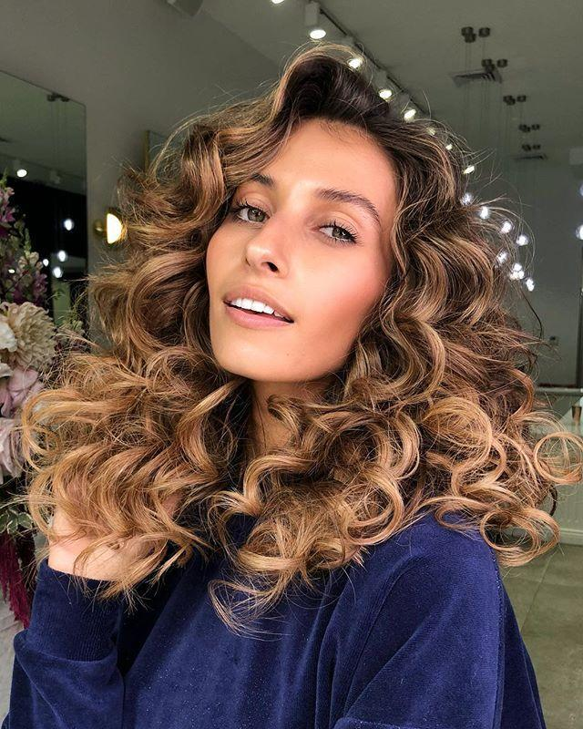 """<p>Big, bouncy curls can definitely add volume and much-needed thickness to thin hair. Why not opt for a perm for longer lasting results?</p><p><a href=""""https://www.instagram.com/p/BvU7Z1IgMqr/"""" rel=""""nofollow noopener"""" target=""""_blank"""" data-ylk=""""slk:See the original post on Instagram"""" class=""""link rapid-noclick-resp"""">See the original post on Instagram</a></p>"""