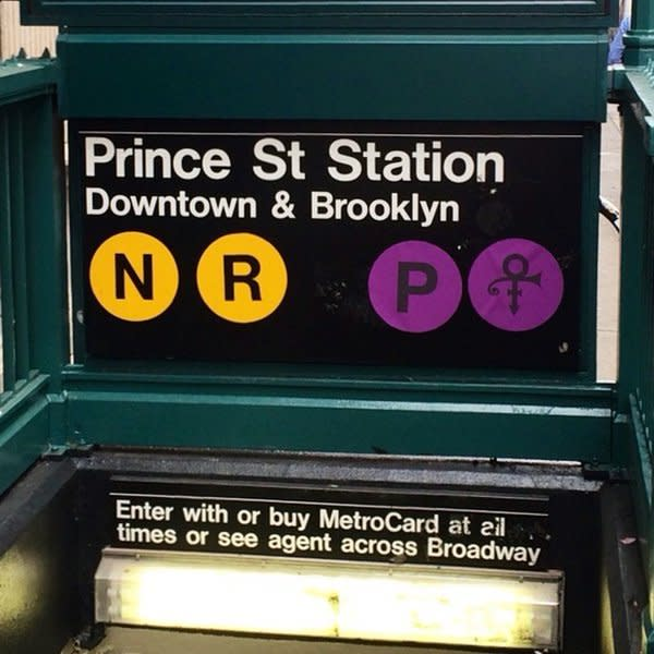 <p>Even the subway station that shared a name with the star got a makeover. <i>(Photo: Twitter)</i></p>