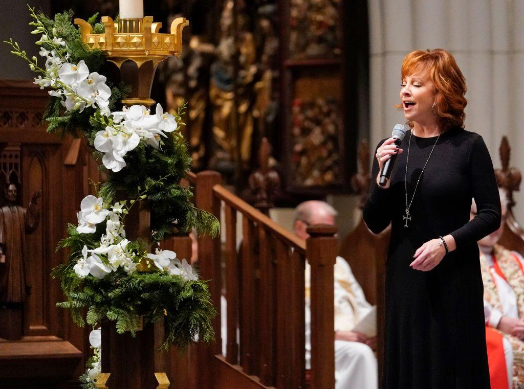 "<p>McEntire performed ""The Lord's Prayer"" during the funeral.</p>"