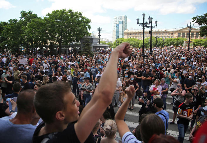 Image: Rally for Sergei Furgal (Aleksandr Kolbin / Reuters)