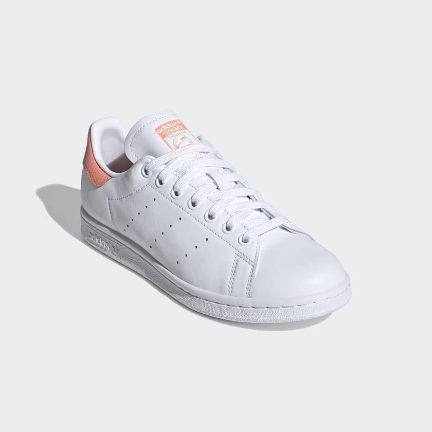 "<p><strong>Adidas</strong></p><p>adidas.com</p><p><strong>$72.00</strong></p><p><a href=""https://go.redirectingat.com?id=74968X1596630&url=https%3A%2F%2Fwww.adidas.com%2Fus%2Fstan-smith-shoes%2FEF6884.html&sref=https%3A%2F%2Fwww.seventeen.com%2Ffashion%2Ftrends%2Fg32826210%2Fclassic-white-sneakers%2F"" rel=""nofollow noopener"" target=""_blank"" data-ylk=""slk:Shop Now"" class=""link rapid-noclick-resp"">Shop Now</a></p><p>Everyone should own a pair of OG Stan Smiths at some point in their life. The pastel snakeskin-textured heel makes these a no-brainer.</p>"