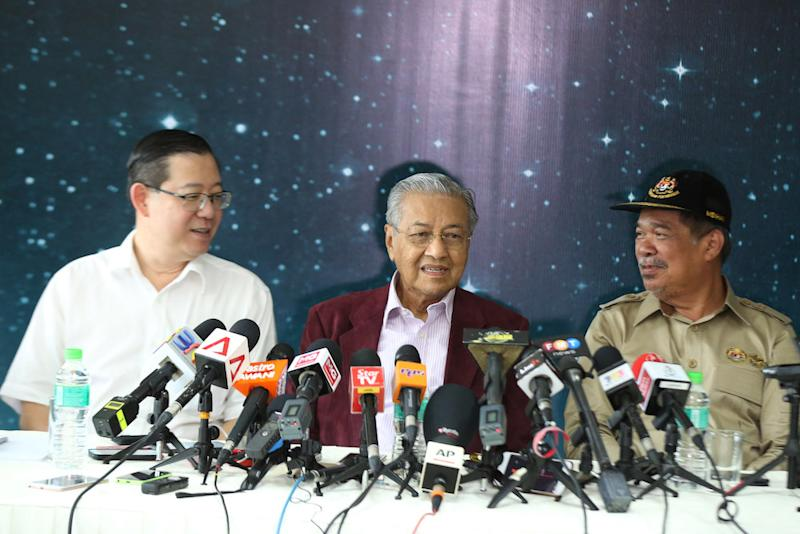 Prime Minister Tun Dr Mahathir Mohamad gives a press conference after visiting the Equanimity at the Boustead Cruise Centre Terminal in Port Klang August 11, 2018. — Picture by Azinuddin Ghazali