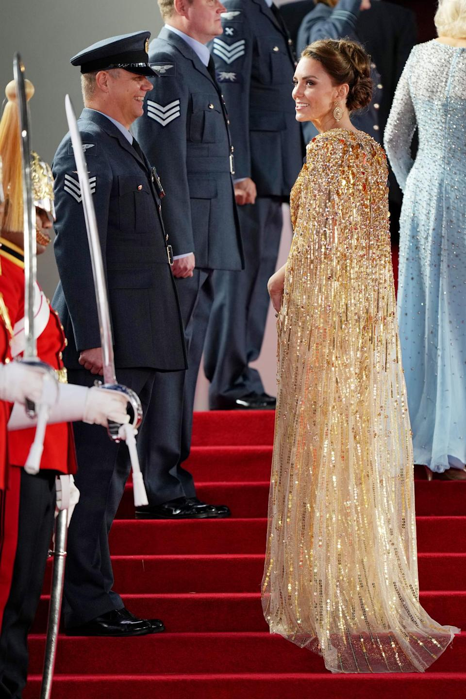 <p>On the steps into the theater, she was sure to greet the various service men and women, as well. </p>
