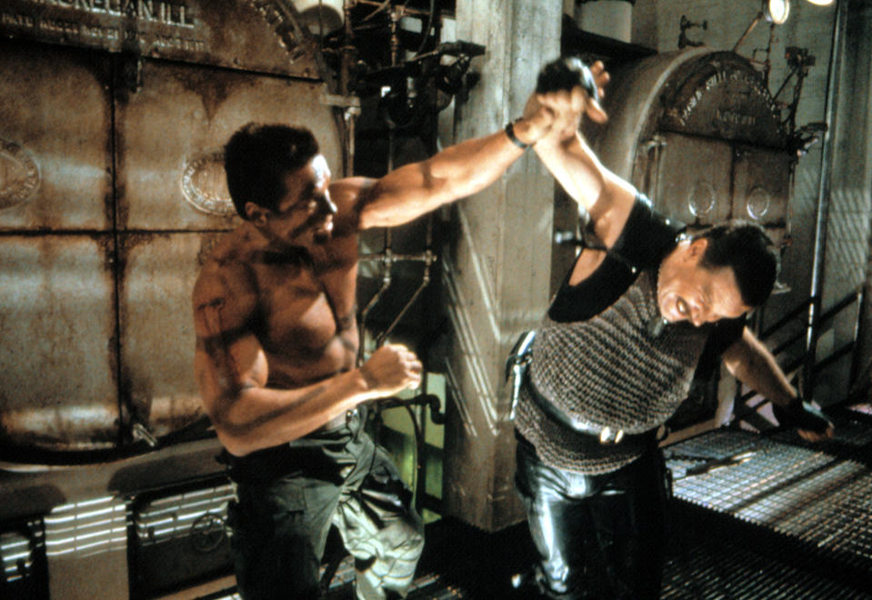 Schwarzenegger and Vernon Wells in 'Commando' (Photo: 20th Century Fox Film Corp./Courtesy Everett Collection)
